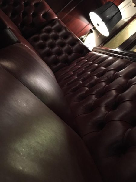 Deep Buttoned Bar Seating